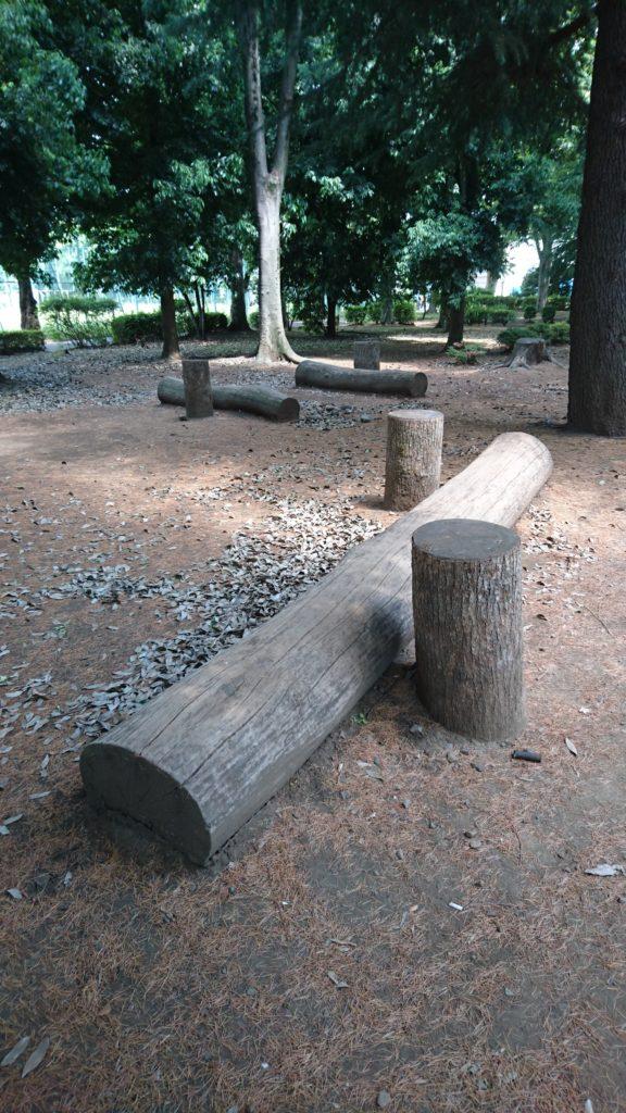 椅子とテーブル北野公園八王子市