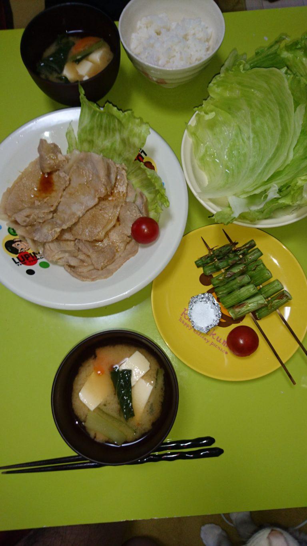 生姜焼き、アスパラ串、レタス