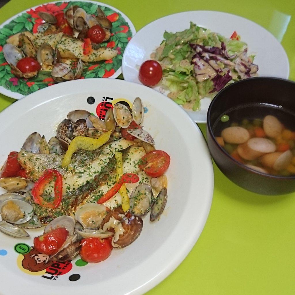アクアパッツァ、ゴマドレサラダ、コンソメスープ