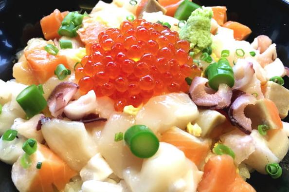 根室海峡 彩り丼 銀座大食堂