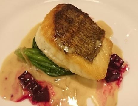 真鯛のポワレ 白ワインソース ビストロオザミ 銀座シックスおすすめレストラン