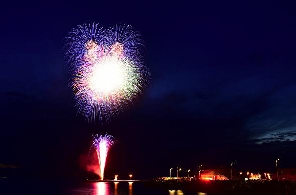神津島マリンフェスティバル「渚の花火大会」 2020 東京都内の花火大会