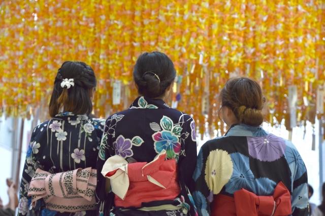 浴衣を着た女性 みなと横浜ゆかた祭り
