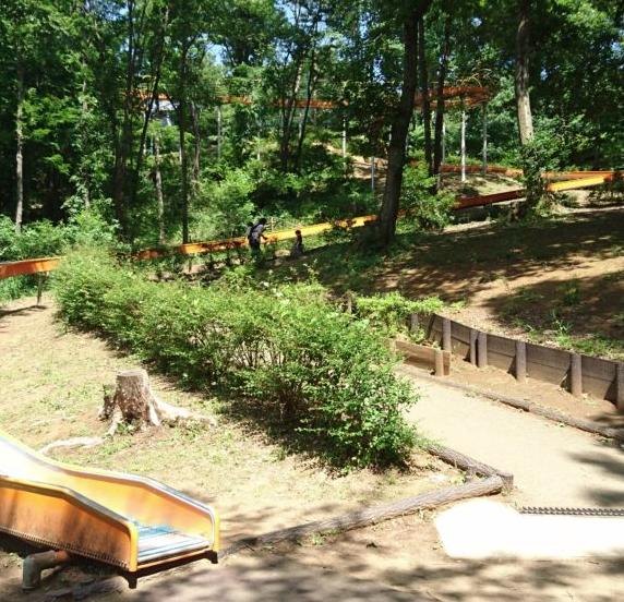 長い滑り台 殿入中央公園|八王子市おすすめ公園ランキング