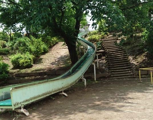長い滑り台 上野町公園|八王子市おすすめ公園ランキング